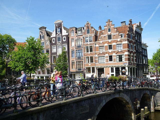 avoiding crowds in Amsterdam